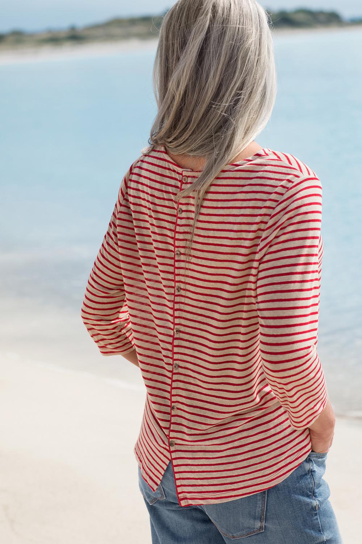 Leinen Shirt Zierknöpfe im Rücken