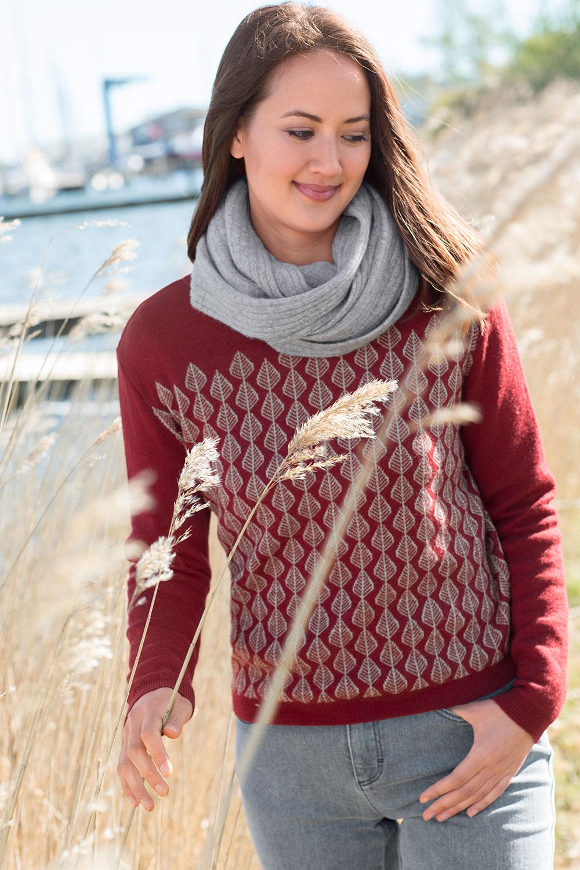 Schurwoll Pullover Blätter