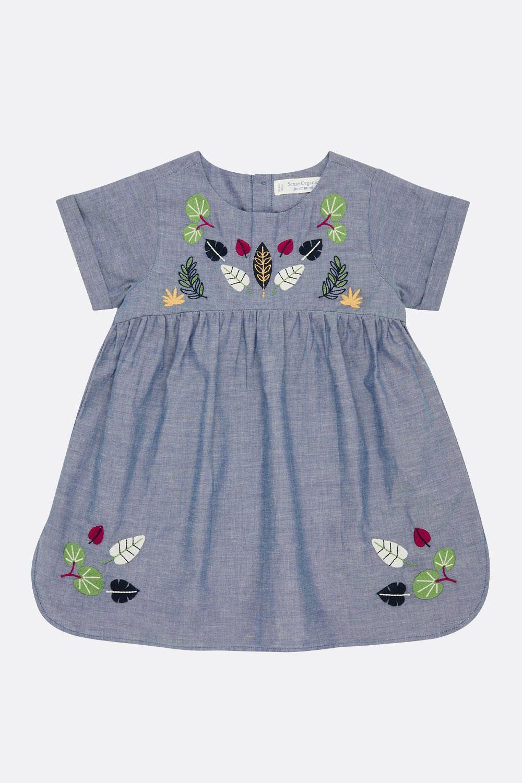 Chambray-Kleid mit Stickerei